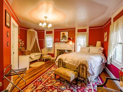 Photo for Buffalo Tavern Bed and Breakfast, Madam's Room