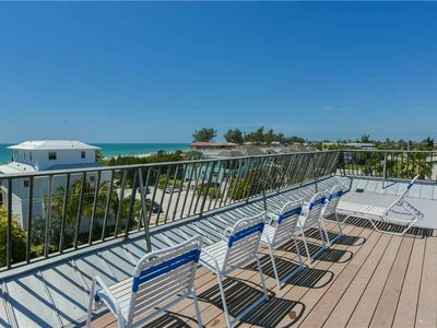 Charming Condo Close to the Gulf with Rooftop Deck!