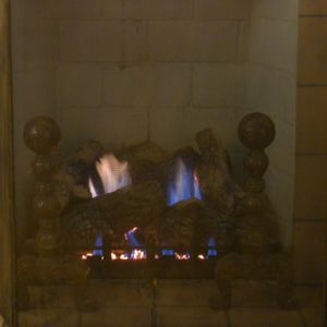Fireplace with vent-free gas logs