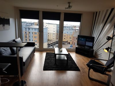 Photo for Beautiful Modern 1 Bedroom Apartment Close To City Centre
