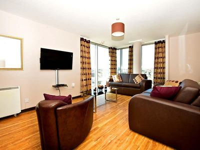 Photo for MILLENNIUM WALK - 3 Bedroom Temple Bar Loft