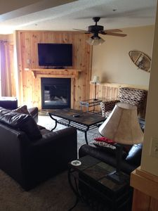 Photo for Deluxe Snowshoe 3 bedroom family condo close to village