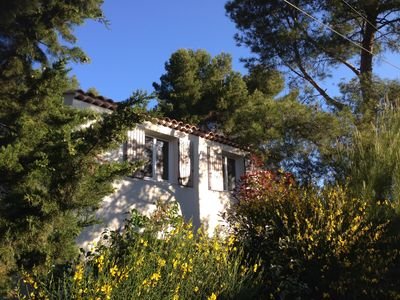 Photo for Charming apartment in quiet area. Close to beautiful city Aix en Provence
