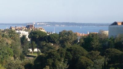 Photo for Apartment on the heights of Cannes