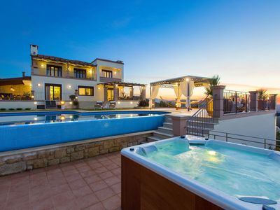 Photo for Lux Villa WIth Panoramic Views, Chania