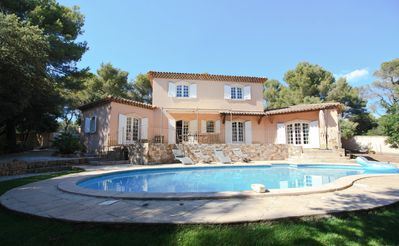 Photo for Enjoy air conditioned villa a few minutes far from Aix center