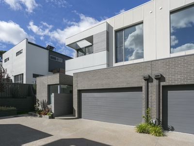 Photo for Executive  Style Townhouse 4 Family/CBD  Area