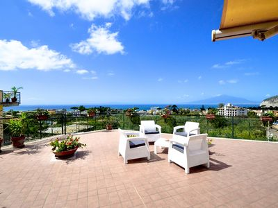 Photo for Beautiful and bright apartment LA CASA DI DANA with private terrace and sea view