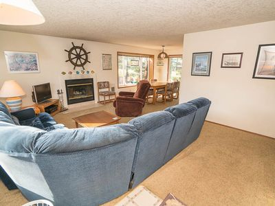 Photo for Three Bedroom, Two Bath Just Two Blocks to Golf or Beach in Manzanita!