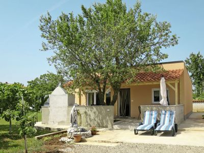 Photo for Vacation home Ruza (PUL503) in Pula - 5 persons, 2 bedrooms