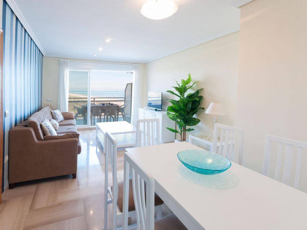 Property Image#2 Luxury Apartment 35 Meters From Gandia Beach And Beautiful  Sea Views