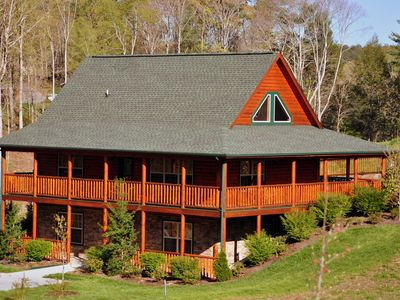 Photo for Holley Beary Inn:  Quiet, luxury cabin. Minutes from the heart of Pigeon Forge
