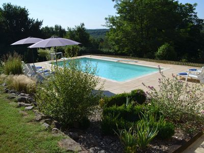 Photo for Residence in the heart of Perigord with heated pool