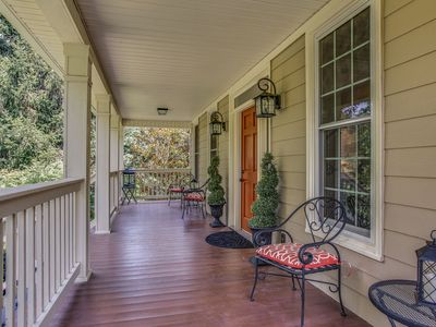 Photo for Contemporary Country Charm! Minutes from Franklin, Cool Springs & Nashville!