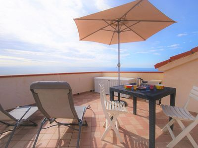 Photo for Loft with terrace with stunning sea views