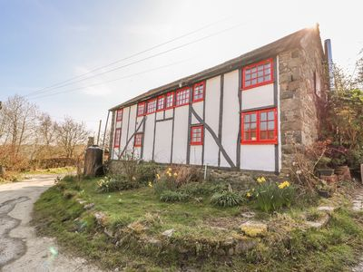 Photo for EARTH GLAZE AND FIRE POTTERY, pet friendly in Rhayader, Ref 989755