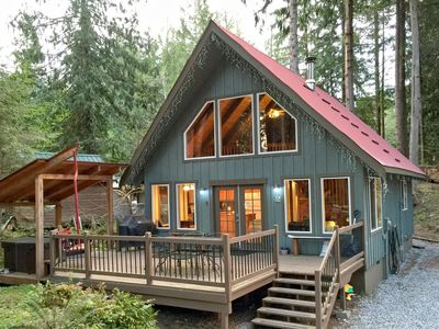 Photo for Mt. Baker Rim Cabin #99 - Charming Cabin with a hot tub, Wi-fi, Pet Friendly!