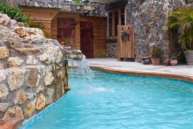 Relax with (6) Hidro-jets on this one of a kind pool.