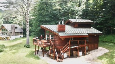 Photo for Chalet Upper unit 2BR + Loft near Killington & Okemo.  Fireplace & laundry.