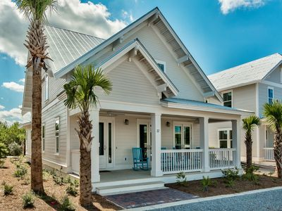 """Photo for """"Beechnut"""" - Prominence on 30A - South Side Behind The Hub - 6 FREE Bikes with Rental - Sleeps 12"""