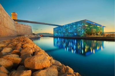 walking distance from the mucem  10mn
