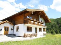 Lovely stay, great for large parties and beautiful view.  Chalet finished to a h ...