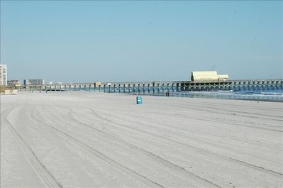 Beautiful wide beach!  Pier is closeby, great breakfast on the pier.