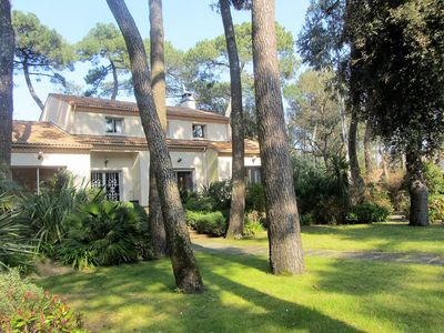 Photo for Ideal families, charm, beach and center at 300 m, garden 2000 m2 ... and jacuzzi