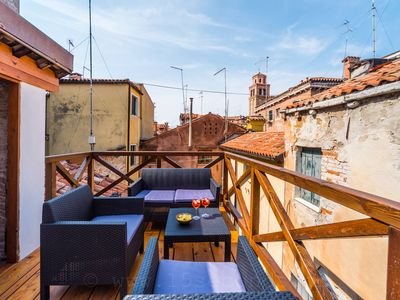 Ca'Leochi, lovely townhouse with rooftop terrace close to San Marco + Biennale