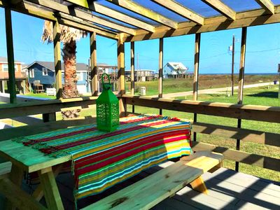 Photo for Fun in the Sun! Cozy Beach Cottage with Gulf Views!
