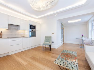 Photo for Sunny, Designer Fulham Apartment - Perfect for Wimbledon!
