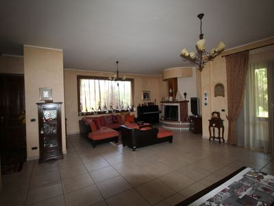 Photo for Cozy Villa midway between Naples and Rome