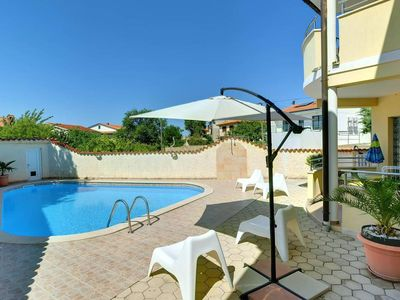 Photo for Charming apartment in Medulin with outdoor pool, climate and terrace