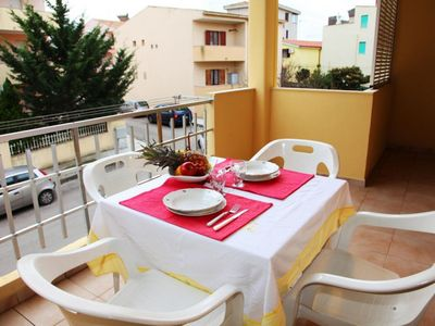 Photo for Apartment near the Long Sea Alghere with A / C and furnished veranda