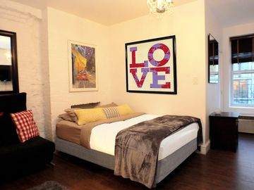 *Best Central Location In NYC*. Steps to Central Park, Times Sq, Theate