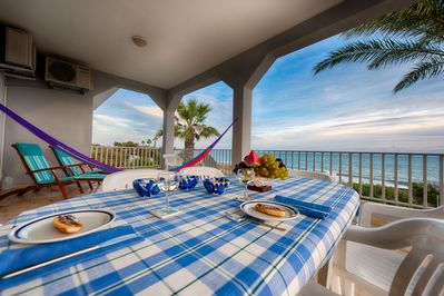 Veranda for dining, relax overlooking the sea
