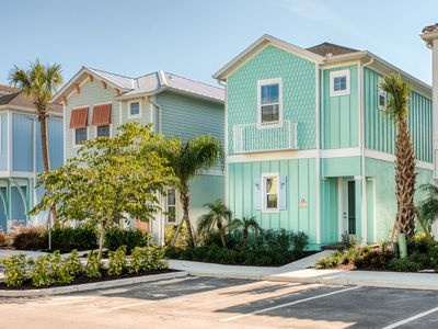 Photo for Salt Water Taffy - Hotel Amenity Access, Daily Clean Included, 3 Miles to Disney