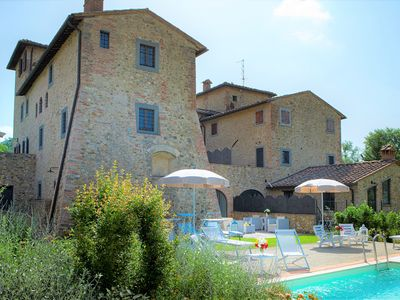 Photo for Private house in the Chianti area for 12 persons, pool and A / C