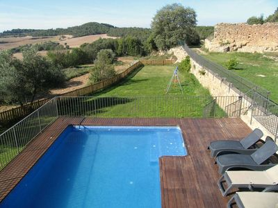Photo for Beautiful holiday home with stunning views. Private pool and barbecue.