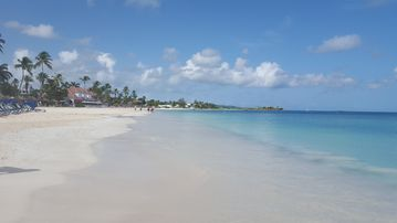 Antigua and Barbuda Institute of Information Technology (ABIIT), St. John's, Antigua and Barbuda