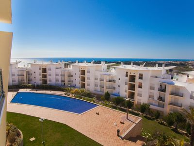 Photo for Beautiful apartment w\sea view in the center of Albufeira near the beach