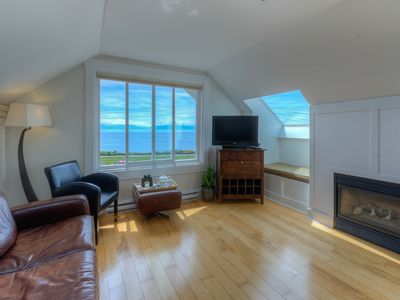 Photo for Oceanfront Townhouse - close to downtown