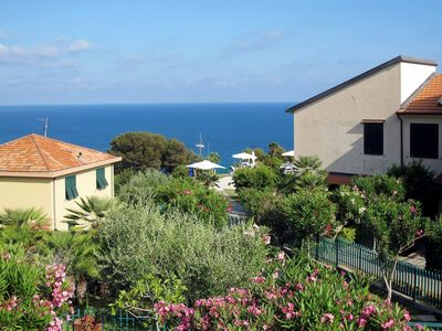 Photo for Nice apartment for 4 guests with WIFI, pool, TV, pets allowed and parking