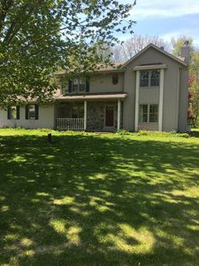 Photo for Comfortable 3 Bedroom House With Easy Access To Lakes, Highways And Restaurants
