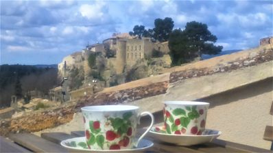 Photo for A room in the heart of Ménerbes: charm and private terrace ...