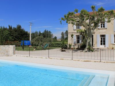 Photo for Very beautiful Provencal farmhouse with swimming pool, near Avignon in Barbentane, sleeps 8