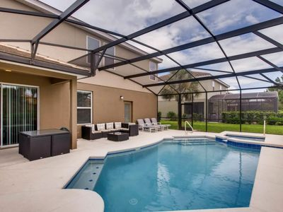 Photo for 6 bed 15 min to Disney at Solterra Resort 4209