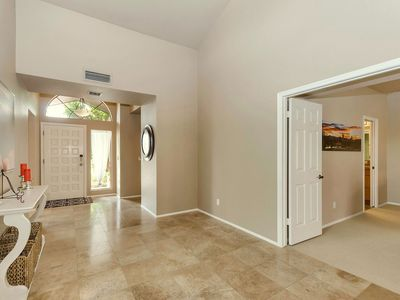 Photo for Stunning Sunny Scottsdale Townhouse