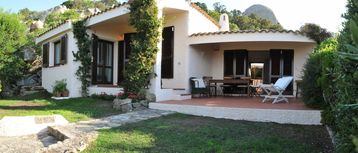 Beautiful villa with garden overlooking the Maddalena Archipelago