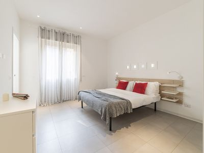 Photo for Modern 2 beds flat 5 mins from Trastevere St.